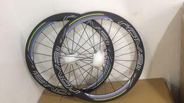 Yeni stil bisiklet karbon tekerlek 50mm kattığı UD 700C clinhcer yol bisikleti jantlar yarış karbon bisiklet tekerlekleri rover bisiklet karbon jantlar nereden mavi bisiklet etiketleri tedarikçiler