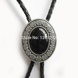 legami in pelle nera Sconti Collana in pelle di cravatta nera con collo a cravatta ovale color argento naturale di piccole dimensioni