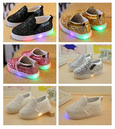 Wholesale Wholesale Girls Childrens Footwear - Children Led slides shoes Korean sequin LED Kids Sneakers baby Shoes For Girls Childrens Casual Shoes Fashion Footwear
