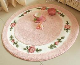Tappeto di riserva online stock di abiti da tappeto rosso in
