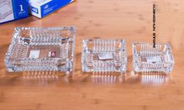Posacenere di cristallo di stile quadrato di Wholeale Salone di vetro HGotel Posacenere da ufficio Tre dimensioni Portable House Smoke Trasporto libero creativo cheap crystal ashtrays da portacenere in cristallo fornitori
