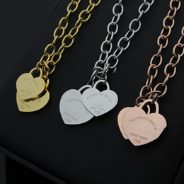 Wholesale letter word pendant necklace - wholesale T word double peach heart necklace, heart-shaped coarse 18K gold necklace for women brand fashion charms jewelry gift 2018