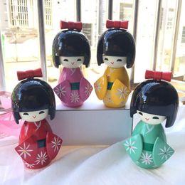 новая японская кукла Скидка Новые симпатичные ручной работы восточные японские Кокеши девушки деревянные куклы 12 см случайный цвет подарки для детей украшения дома QW8443
