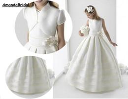Kommunionsjacken online-Amandabridal Ballkleid Weiß Erstkommunion Kleider Für Kleine Mädchen Mit Jacke Satin Blume Mädchen Kleider Hochzeit 2018