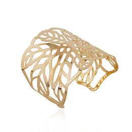 2019 padrões de pulseiras de ouro 1 PC Moda Cor de Ouro Padrão de Folha Oco Aberto Pulseira Mulheres Elegante Manguito Pulseira Larga Europeu Presente Da Jóia Do Pulso B47 desconto padrões de pulseiras de ouro