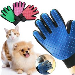 Canada Gant de chat pour animaux de compagnie Toilettage Chien Cheveux Chat Enlèvement Enlèvement Nettoyage Brosse De Massage Outils 4 Couleurs Offre