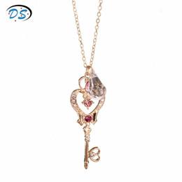Gargantilla luna marinero online-Anime Prop Jewelry Sailor Moon Time and Space Llave Colgante Collar Mujeres Accesorios de Moda Corazón de Cristal Gargantilla Collares