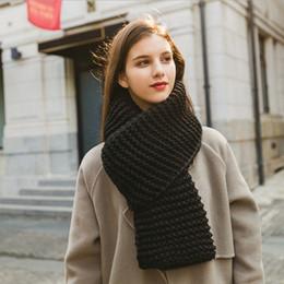 SUMEIKE Nueva moda popular otoño invierno estilo cálido hombres y mujeres  bufanda Unisex raya tejido de lana rosa negro caqui bufandas económico  bufanda de ... 23090b7b6fb