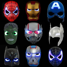 giocattoli maschera spiderman Sconti LED Captain America Masks 8 Stili Glowing Lighting Spiderman Hero Figura Cosplay Costume Party Mask LED Rave Toy OOA5455