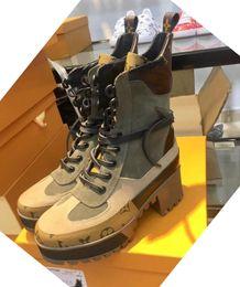 atadura de borracha Desconto Mais recente de luxo Mulheres botas de grife Martin Deserto Bota moda designer de luxo mulheres botas de couro real grosso sapatos de Inverno
