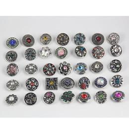 schemi di trasferimento di ferro liberi Sconti 50pcs 18 millimetri pulsante Noosa gioielli strass perle allentate stile misto adatto per bracciali gioielli collana accessori fai da te regalo di natale
