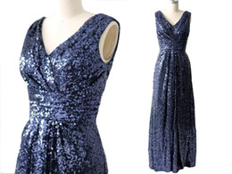 NEW ARRIVAL V Neck V Back Sequined Dark Blue Long Bridesmaid Dresses for Wedding Party Under 100 ? partir de fabricateur