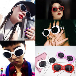 Wholesale fashion photographs - Fashion Glasses Red White Pink Party Favor Photograph Prop Gift Ellipse Sunglasses Men Women Free Shipping 7 5sf V