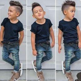 Мальчики джинсы t рубашки брюки онлайн-2018 Летняя мода мальчики установить твердые с коротким рукавом футболки + джинсовые брюки Дети 2 шт. наборы Детские джинсы наряды