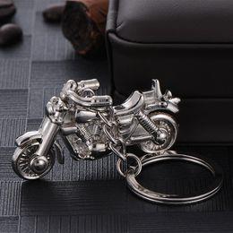 2019 chaveiros para arma LEGAL Motorbike 3D Modelo Encantos Pingente Chaveiro Para Homens, Prata Chapeado Do Punk Chaveiros Acessórios Para Chave