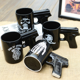 Wholesale Guns Coffee - 2018 Creative Pistol Grip Coffee Cups Mug Funny Gun Skull Mug Milk Tea Cup Creative Office Ceramic Coffee Mug Drinkware