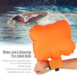 lifesaving armband Rabatt Anti Ertrinken Tragbare Lebensrettende Armband Float Armband Aufblasbare Blase Schwimmen Surfen Selbst Rettungs Ballon ohne CO2 zylinder