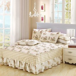 Biancheria bianca in biancheria completa online-Princess Style Ruffled Tulle Set di biancheria da letto Gonna bedsheet Twin Full Queen King size Coverlet bianco blu Federa di fiori