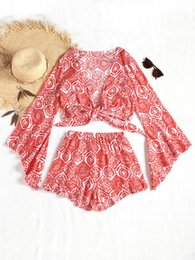 Campana anteriore online-ZAN.STYLE Front Bow Knot Tied Bell Sleeve Women Blouse Elastic Ruffles Mini Shorts 2pcs Set donna Autunno Beach Sexy Suit Rosso