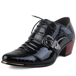 Tacones altos para formal online-Hombres de lujo zapatos formales zapatos de tacón alto zapatos de vestir de negocios Oxfords puntiagudos Oxford zapatos para hombres zapatos de cuero de boda