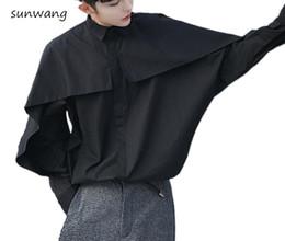 Camisa negra volante online-2017 Moda Gótica Harajuku Flounce Diseñador Único Camisa de la Marca Vestido de Los Hombres Ropa Bat Manga Para Hombre Camisas Casuales Negro Blanco