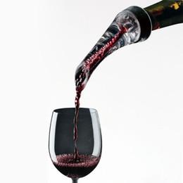 roter nachtstand Rabatt H16773-2 Professionelle Rotwein Belüftungs Ausgießer Decanter Wein Belüfter Quick Belüften Gießwerkzeug mit Halter