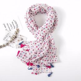 2019 borlas de viscosa bufandas Borla bufanda mujer 2018 primavera bufanda larga viscosa puntos de color mantón envuelve 180 * 100 CM rebajas borlas de viscosa bufandas