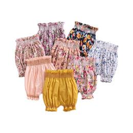 f88f9a72fec0e Nouveau Style Enfants Filles Taille Haute Lanterne Shorts Nouveau-Né Bébé  PP Pantalon De Mode Floral Imprimé Femelle Bébé Pain Pantalon