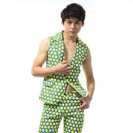 2e62402409874 2016 New Fashion Male Polka Dot Slim Suit Vest Men s clothing costume Party  show Stage suit vest performance wear