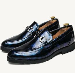 Argentina Zapatos de vestir de negocios de cuero real para hombres Moda señalada zapatos de hombres de colores brillantes en Inglaterra, zapatos de boda del novio cheap colored wedding shoes Suministro