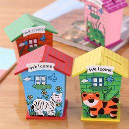 karikatur münzen banken Rabatt Holz Cartoon Münze Cent Penny Kinder Spielzeug Party Geschenk Wohnkultur Kreative Kleine Haus Bank Spardose jc-116