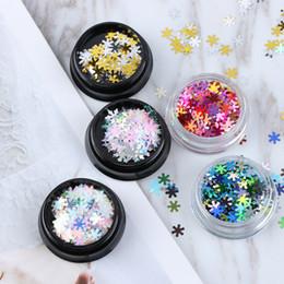 Белоснежный блеск онлайн-Mixed Style 3D Nail Glitter Flakes Christmas Snow Flower White Color Nail Sequins Ultra-thin DIY Shimmer Charm Xmas Decorations