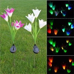 Luci solari del fiore online-LED Solar Garden Lights LED Solar Power Flower Garden Puntata luce cambia colore Outdoor Garden Path Yard Decoration 4 LED Flower Light