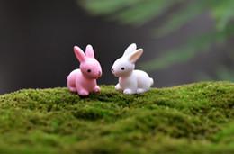 2019 conigli in miniatura Fairy Garden Miniature coniglietto bianco o rosa artificiale mini conigli decorazioni in resina artigianato bonsai coniglietto pasquale sconti conigli in miniatura
