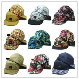 caliente La Marca Gorras Snapback 11 Colores Gorra de Béisbol Strapback  Bboy Hip-hop polo Sombreros Para Hombres Mujeres Sombrero Equipado Negro  Rosa Blanco ... c42d525c96a