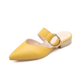 Женщины Удобные Сандалии Металлические Пряжки Острым Носом Туфли На Низком Каблуке Летние Каникулы Обувь Женщины Footwears от Поставщики сандалии металлические