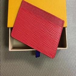 2019 оптовые держатели визитных карточек Европейский стиль стерео 2017 высокое качество кожаный бумажник карты больше письмо кредитной карты автобус карты пакет с коробкой