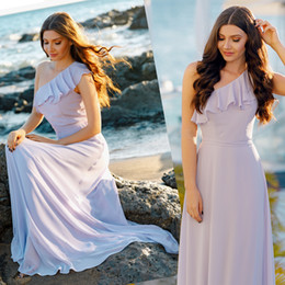 Wholesale One Shoulder White Maxi Dress - Ruffled Bohemian Bridesmaid Dresses Floor Length 2018 Summer Chiffon Beach Wedding Party Dresses New Women Maxi Dress