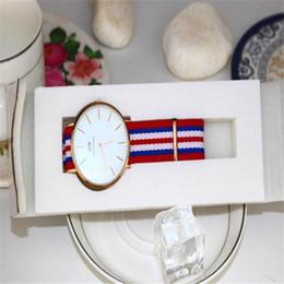 d74167108cc 2019 porta-relógio branco 1 pc Slot Slot Relógios Caixa de Exibição de  Exibição de