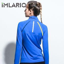 Giacca sportiva Imlario Elasticizzata Giacca da allenamento femminile Giacca da fitness Foro per il pollice Running Outfit Blu Zipper Pocket Jogger Sportwear da abbigliamento di prodotti secchi fornitori