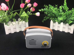 50 шт. DHL свободный корабль Mini wifi беспроводной портативные bluetooth динамик поддержка TF card factory direct sell ABS пластик и покрытие из оболочки от Поставщики опоры для пластин