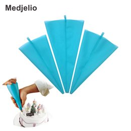 Wholesale icing decorator bags - Medjelio 3 Szie TPU Reused Baking Pastry Bag Dessert Decorators Cake Tools Silicone Easy Cleaning Icing Piping Bag Cream Tools