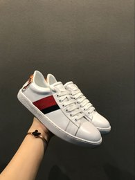 Zapatos de diseñador de lujo Raya roja azul zapatos casuales de los hombres Zapatillas de deporte de lujo con cordones Zapatos para correr Versión de actualización Zapatos de tigre Serpientes desde fabricantes