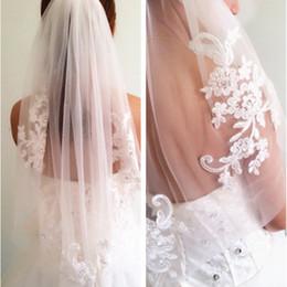 Wholesale diamond wedding veils - In Stock Short One Layer Wedding Veil Bridal Veils Waist Length Appliques Beaded Diamond Appliques White or Ivory