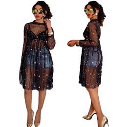 Платья с длинным рукавом покрывают колени онлайн-Sexy See Through тюль черные платья красивая вышивка цветы линия длиной до колен лето повседневная Dress с длинными рукавами Cover ups 2018