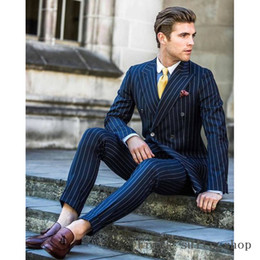 мужские галстуки темно-синий Скидка Navy Blue Stripe Double Breasted Men Suit For Wedding 2pieces Slim Fit Tuxedos Masculino Groom Prom Mens Suits(Jacket+Pants+Tie)