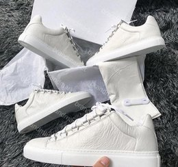 двойная упаковка Скидка Оптовая Двойная Коробка Человек Причинно-Следственная Обувь Арена Морщинистая Кожа Низкий Вырезать Белый Красный Черный Sneaker Drop Shipping Модельер Обувь Размер 39-46