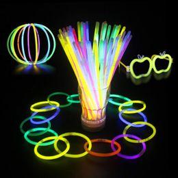 100x Glow stick luminoso connettore interno braccialetto fluorescente fai da te collana festa di compleanno di natale forniture di Halloween giocattoli da commerci all'ingrosso occhiali da sole rave fornitori