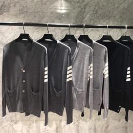Ropa fina online-Suéter tipo chaqueta de punto fino 2018 Summer TB suéter de lana muy fina, ropa de aire acondicionado, protector solar, abrigo para hombres y mujeres.