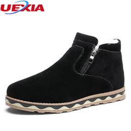 5b8d881462 UEXIA Homens Botas de Alta Qualidade Homens de Camurça de Inverno Zíper  Plana Sapatos de Neve FurPlush Quente Casuais Sapatos de Inverno Botas Leve  botas de ...